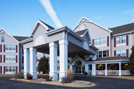 White-and-gray exterior of the Country Inn & Suites, Appleton, WI