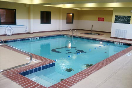 Indoor pool at the Country Inn & Suites in Bessemer, AL