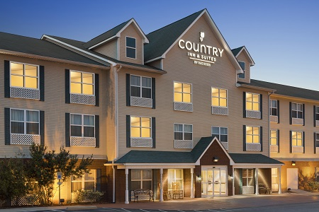 Front porch with rockers at the Country Inn & Suites