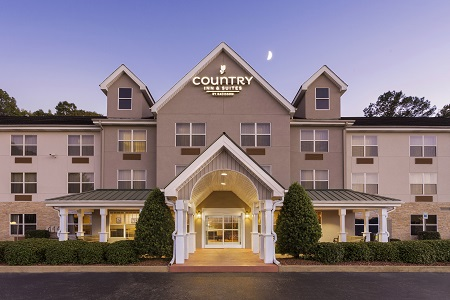 Exterior of the Country Inn & Suites, Tuscaloosa, AL