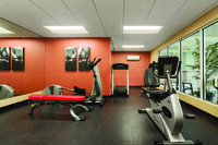 Hotel fitness center with cardiovascular equipment