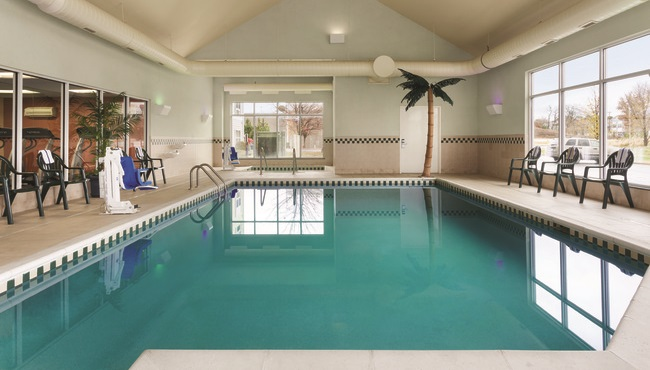 bentonville hotels with indoor pool country inn suites services