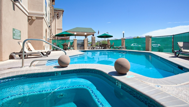 Outdoor Pool and Whirlpool Tub