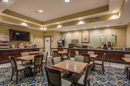 Breakfast room at the Country Inn & Suites, Tampa/Brandon, FL