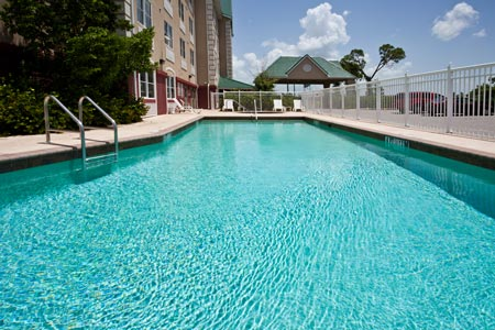 Outdoor Pool and Whirlpool Tub at Port Charlotte Hotel