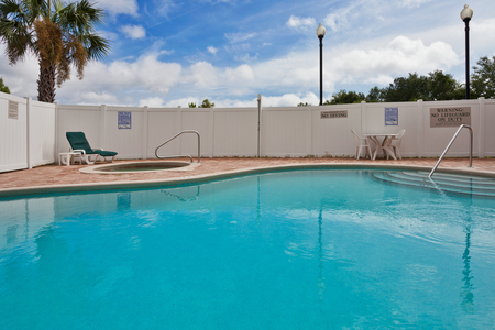 Outdoor Pool at Jacksonville Lodging