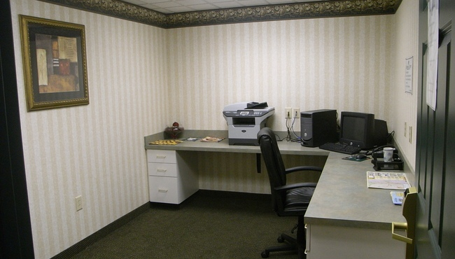 Fully Equipped Business Center