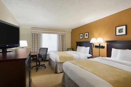 Country Inn & Suites, Buford hotel room with queen beds