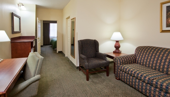 Spacious Suites in Cartersville, GA