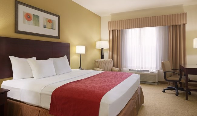 fairburn hotel rooms country inn suites rooms rh countryinns com