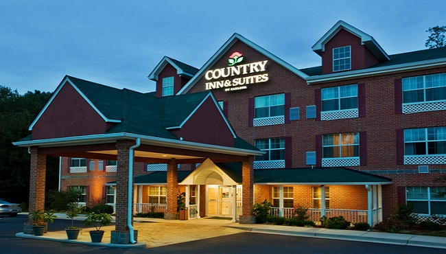 Welcome to Country Inn & Suites Newnan