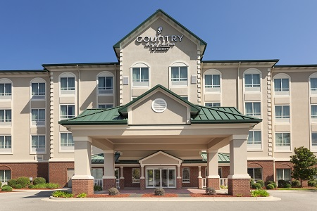 Exterior of the Country Inn & Suites, Tifton, GA