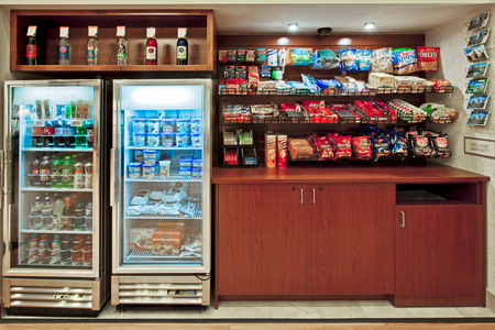 Snack shop with hot and cold options