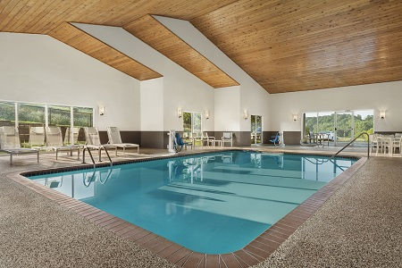 Decorah hotel's indoor pool and hot tub