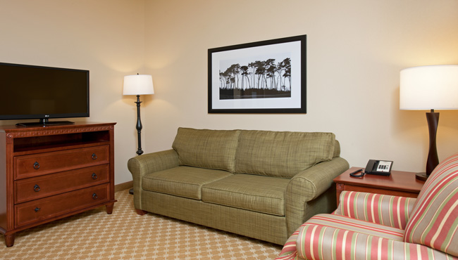 Country Inn & Suites Champaign King Suite Sitting Area