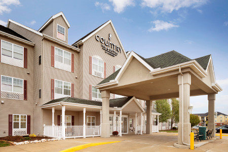 Exterior of the Country Inn & Suites, Champaign, IL