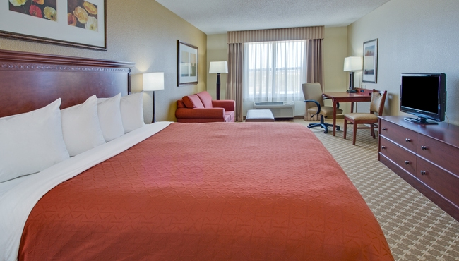 Crystal Lake Hotel Rooms | Country Inn & Suites - Rooms