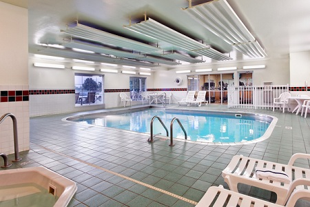 Decatur hotel's indoor pool and hot tub
