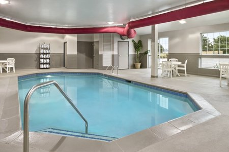 Indoor pool at Manteno hotel