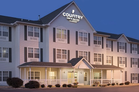 Country Inn & Suites, Moline airport hotel exterior