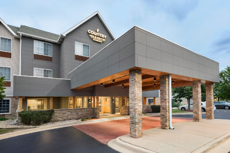 Exterior of the Country Inn & Suites, Romeoville, IL