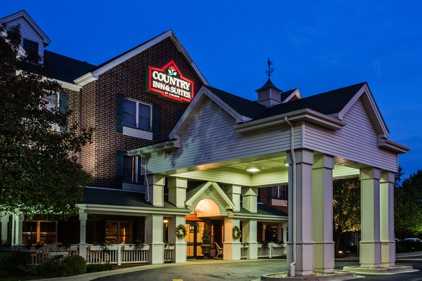 Welcome to the Country Inn & Suites!
