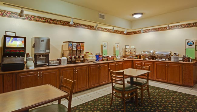 Free hot breakfast tinley park hotel country inn for Tin fish tinley park