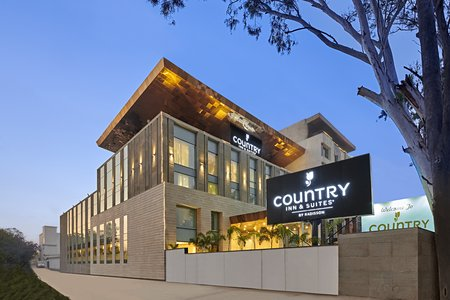 Country Inn & Suites, Zirakpur hotel exterior