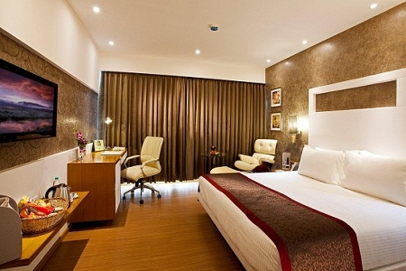 Stylish room with king bed in Navi Mumbai