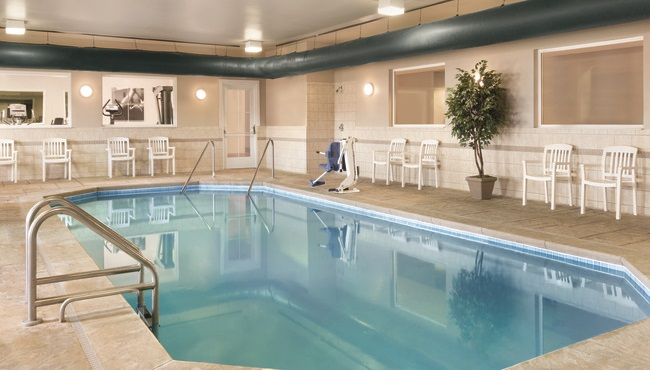 Ind Airport Hotel With Pool Country Inn Suites Services