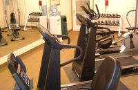South Indianapolis hotel's fitness center with free weights