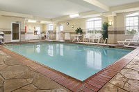 Heated indoor pool at the Country Inn & Suites in Bowling Green