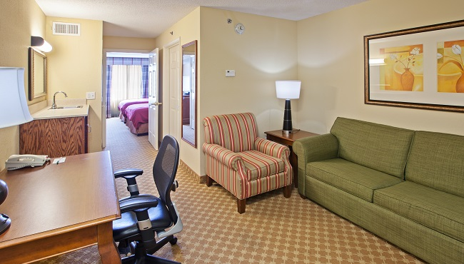 hotel rooms in london off i 75 country inn suites rooms. Black Bedroom Furniture Sets. Home Design Ideas