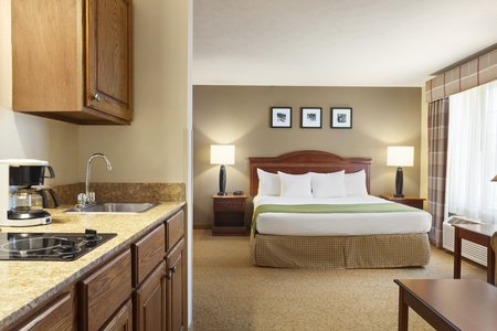 Extended-stay Suite with a kitchenette and king bed