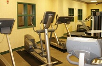 Baltimore airport hotel's fitness center with an elliptical