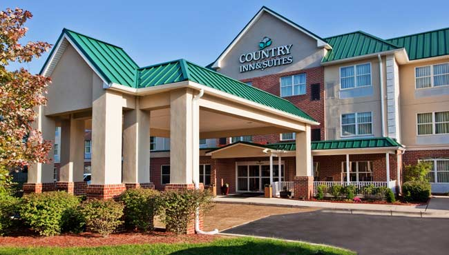 Country Inn & Suites Camp Springs Exterior Day