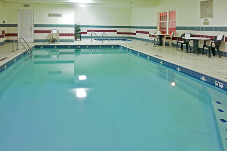 Hotel near Frankenmuth with Indoor Pool