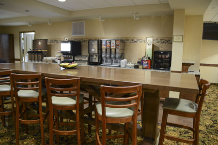 Free Hot Breakfast at the Country Inn & Suites, Dundee