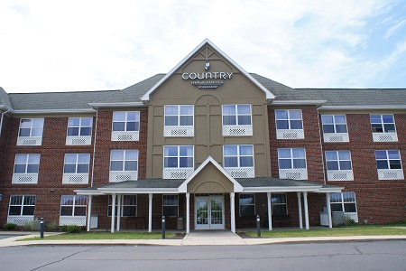 Exterior of the Country Inn & Suites, Lansing, MI