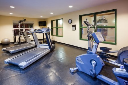 Fitness center at the Country Inn & Suites, Cottage Grove