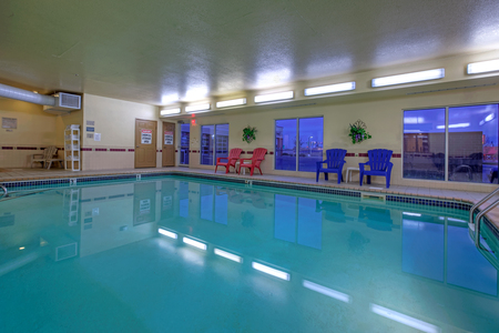 Forest Lake hotel's refreshing indoor pool
