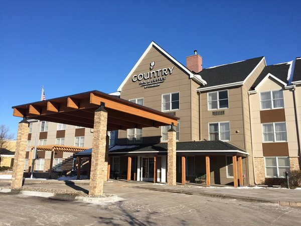 Country Inn & Suites Minneapolis West, MN