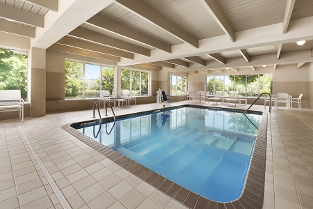 Rectangular hotel pool with rounded corners