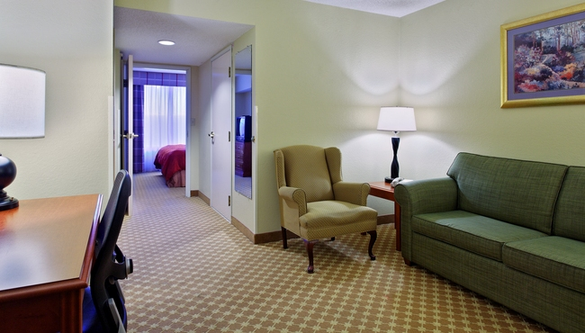 Country Inn Amp Suites Charlotte I 485 At Highway 74e Room