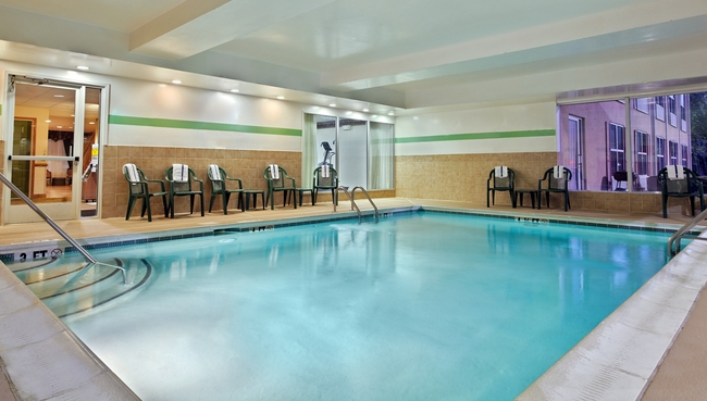 Country inn suites charlotte i 485 guest services indoor pool for Indoor swimming pools charlotte nc