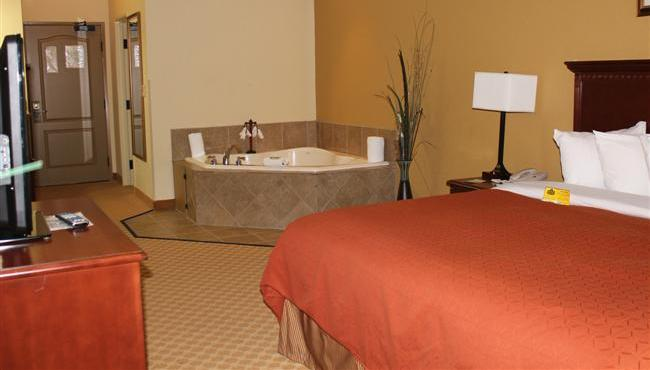 Romantic Whirlpool Suite
