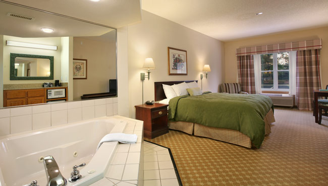 King Guest Room with Whirlpool Spa