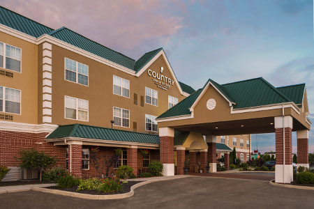 Country Inn & Suites, Findlay hotel exterior