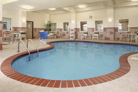 Hotel's heated, curved indoor pool in Findlay