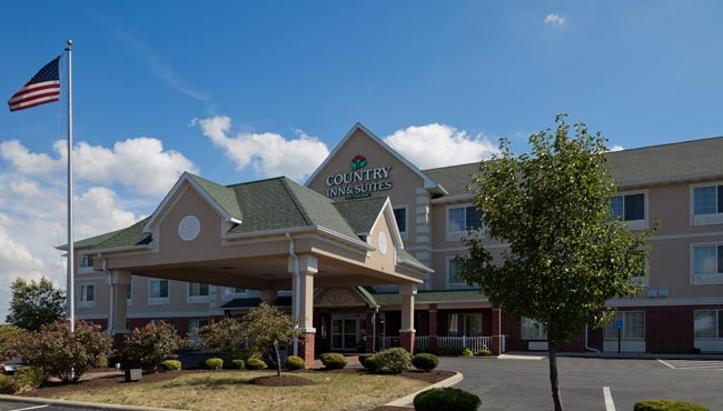 Country Inn & Suites Lima Hotel